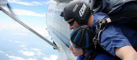 tandem-skydiving-in-MA