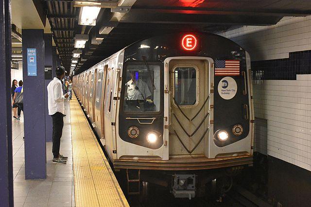 E_Train_entering_World_Trade_Center